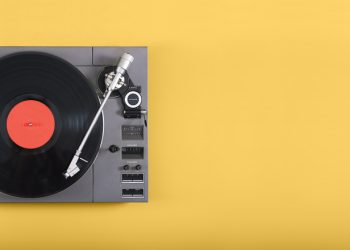 A Look At The Reasons Why Vinyl Has Regained Popularity